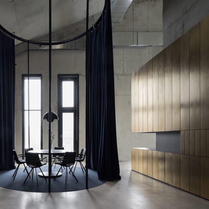 NV-9 office by Alexander Volkov Architects