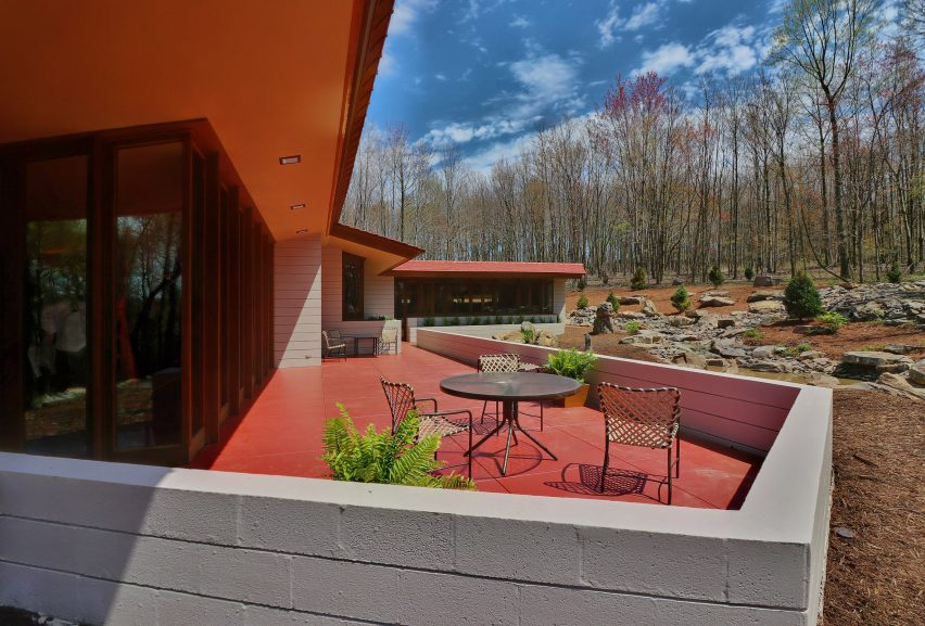 RW Lindholm House by Frank Lloyd Wright moved from Minnesota to Pennsylvania