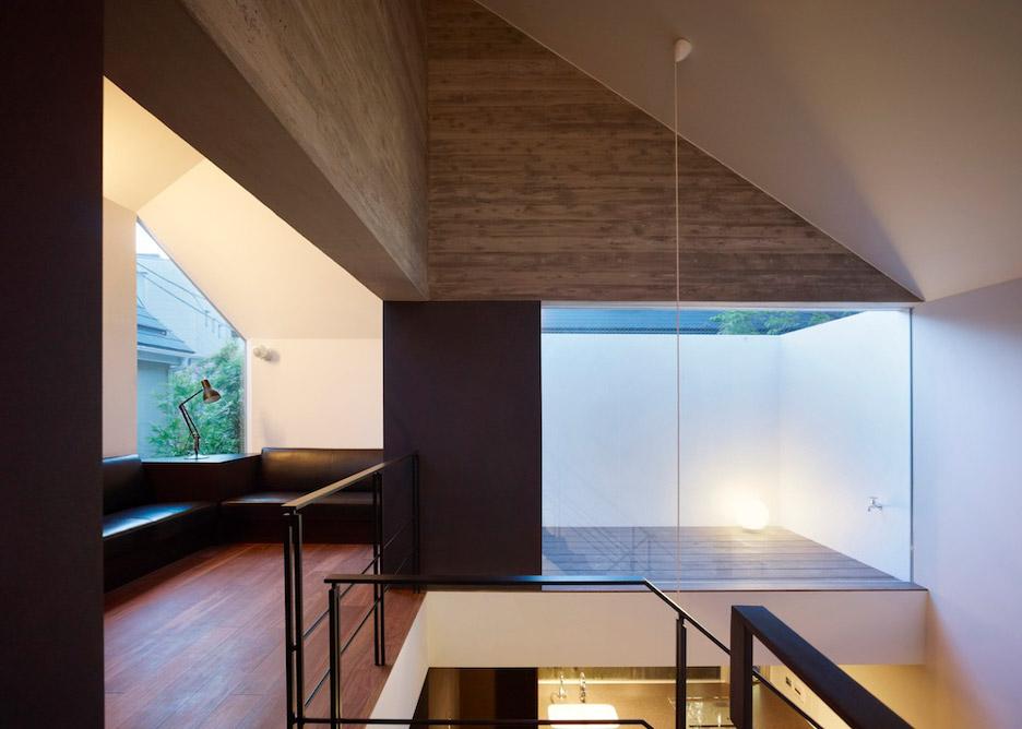 Shirokane House by MDS