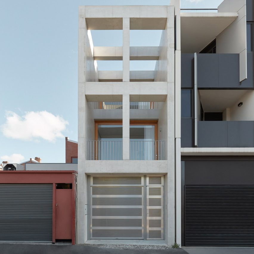 Oliver du Puy Architects creates 4.2-metre-wide Skinny House in Melbourne