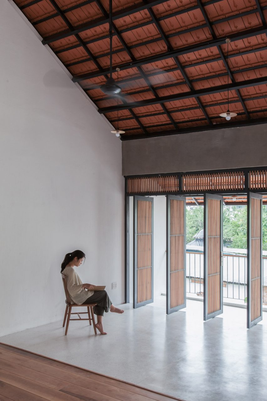 K59 Atelier S Tile Roof House Takes Cues From Traditional Vietnamese Homes