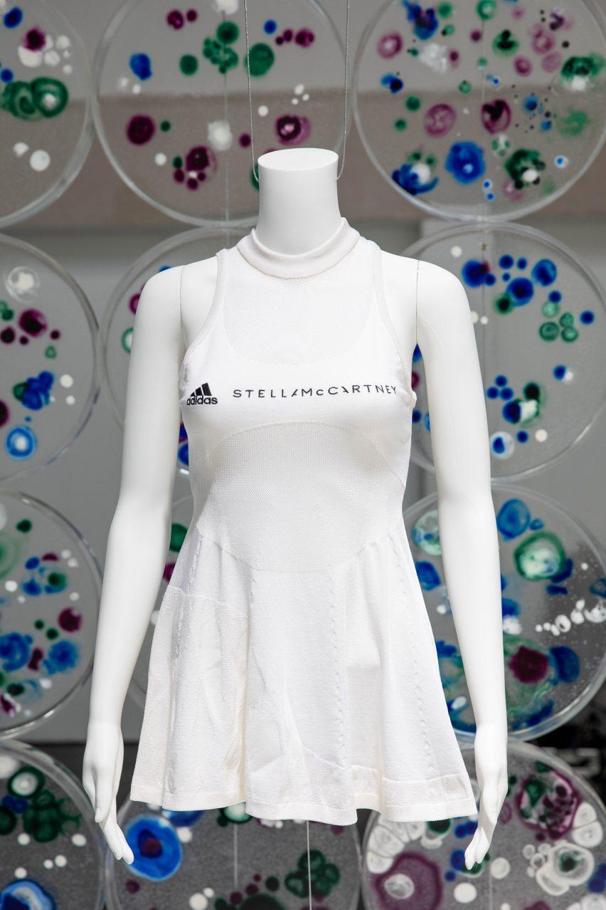 Adidas x Stella McCartney Biofabric Tennis fabricado con Bolt Tech Microsilk