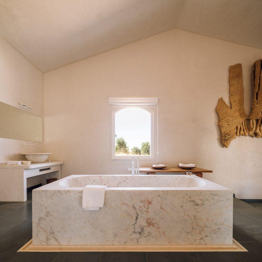 Dá Licença hotel by Vitor Borges and Franck Laigneau