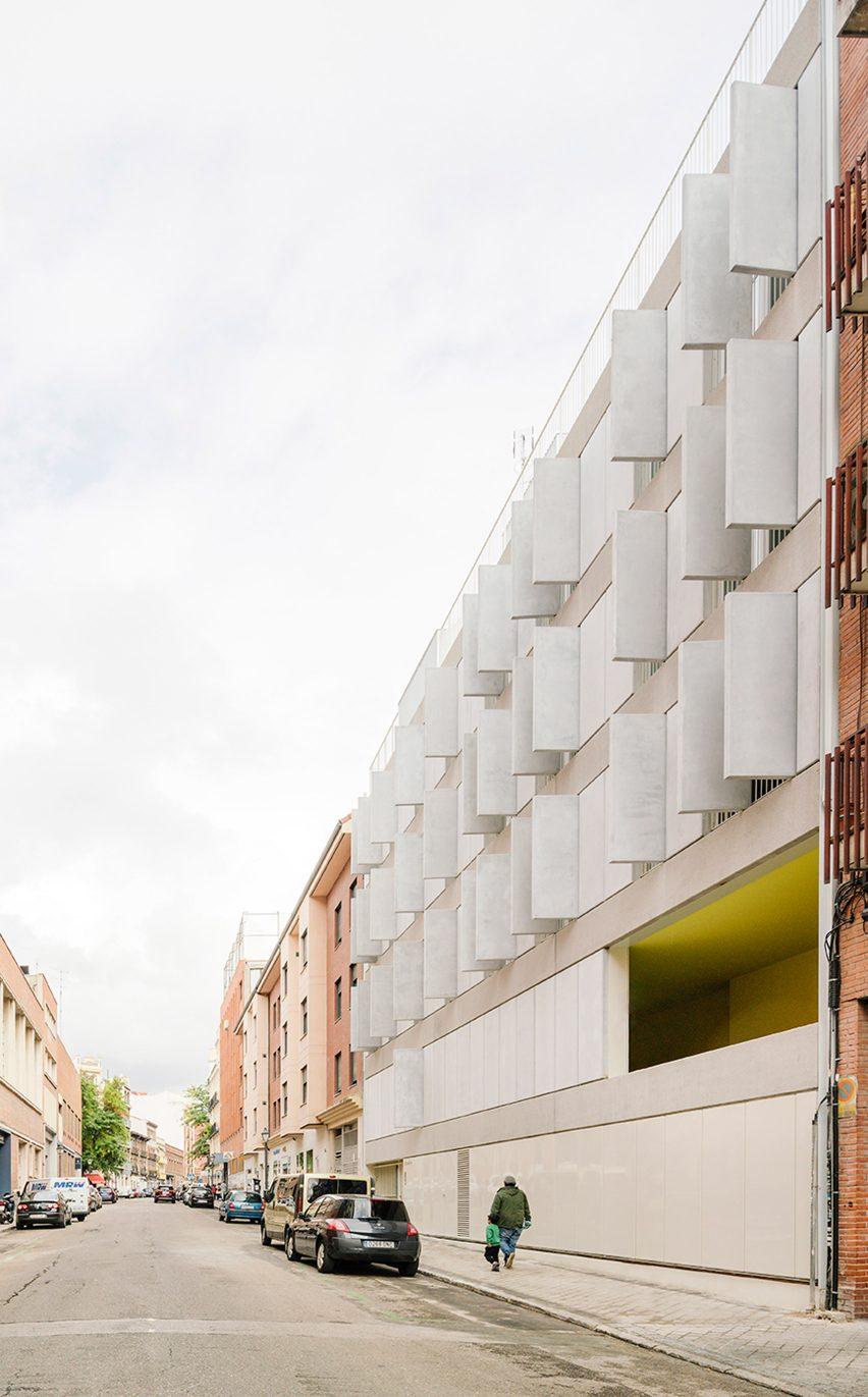 Elcano Housing Block by FRPO