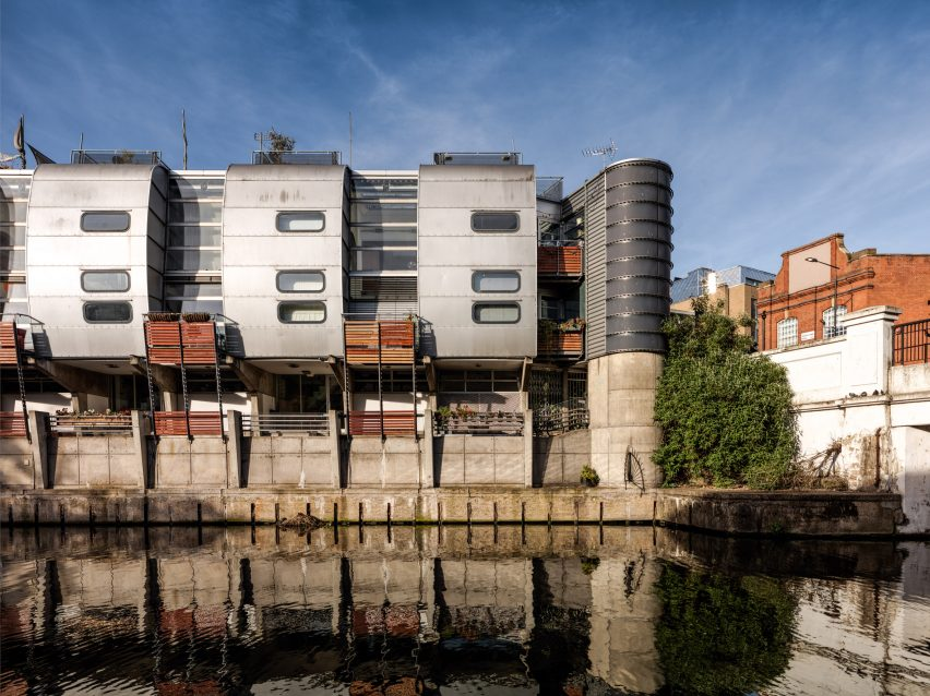 Camden Road Sainsbury's and a residential complex in London built in the High-tech style by architects Grimshaw have been given listed Grade II-listed status.
