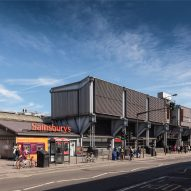 "Grimshaw's ""unapologetically futuristic"" Sainsbury's supermarket awarded heritage status"