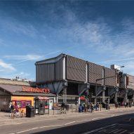 "Grimshaw's ""unapologetically futuristic"" Sainsbury's supermarket awarded heritage status"