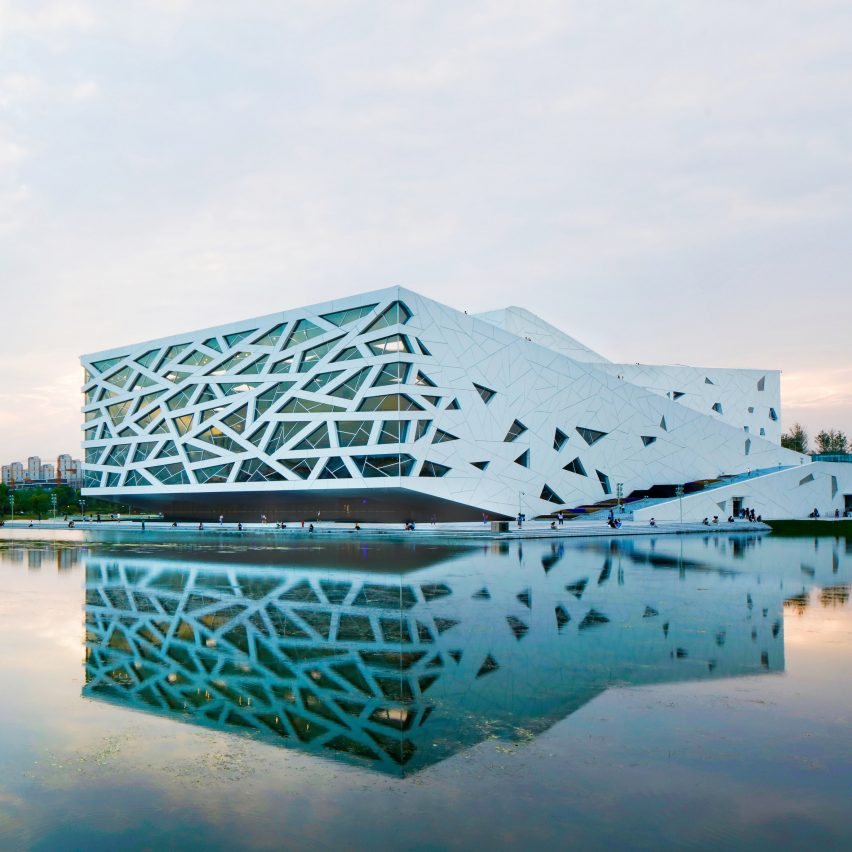 Henning Larsen completes iceberg-like opera house in Hangzhou
