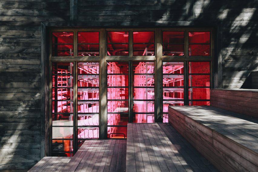 Granja vertical interior en el hotel Stamba