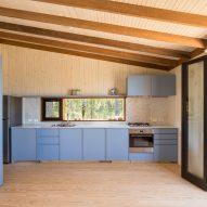 Casa en la Juanita by FRAM Arquitectos and Delfina Riverti