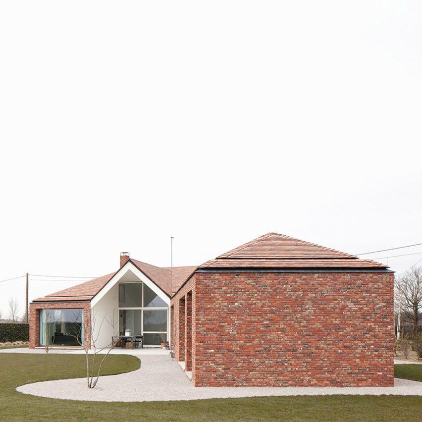 WE-S Architecten adds diagonal brick extension to Belgian bungalow