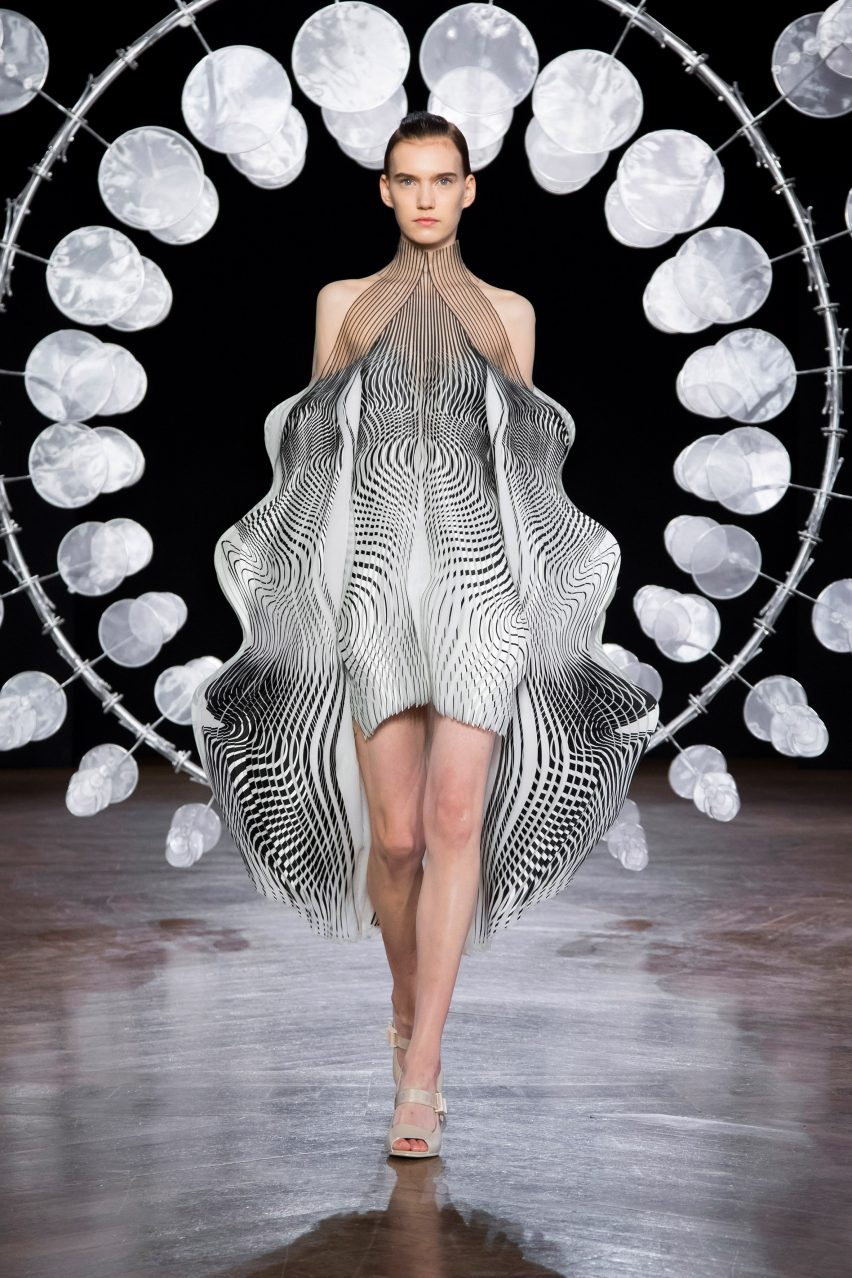 Iris Van Herpen Emulates A State Of Hypnosis For Latest Couture Collection