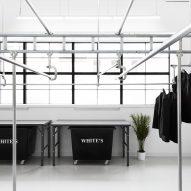 Les Nettoyeur White's by Ivy Studio