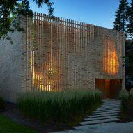 Lipton Thayer Brick House in Chicago, Illinois by Brooks Scarpa