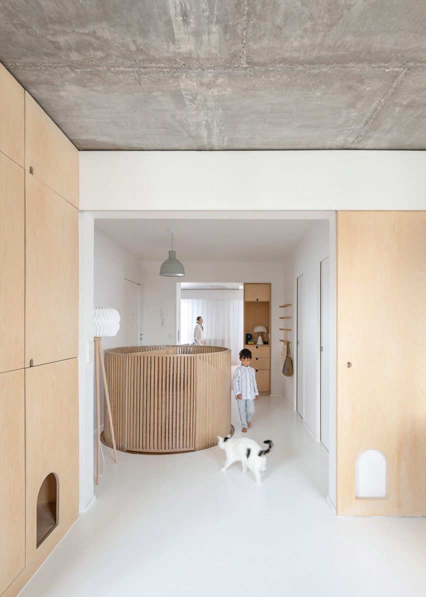 Sacha apartment by SABO Project