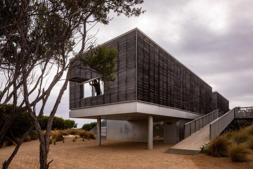 St Andrews Beach Villa by Woods Bagot