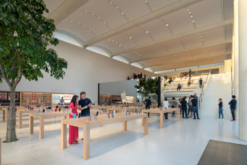 Apple Aventura by Foster + Partners