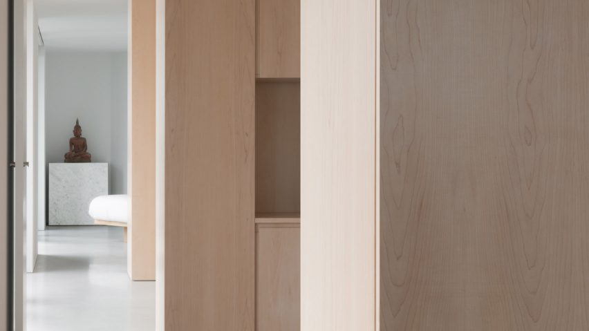 "John Pawson pares back Barbican apartment to ""a state of emptiness"""