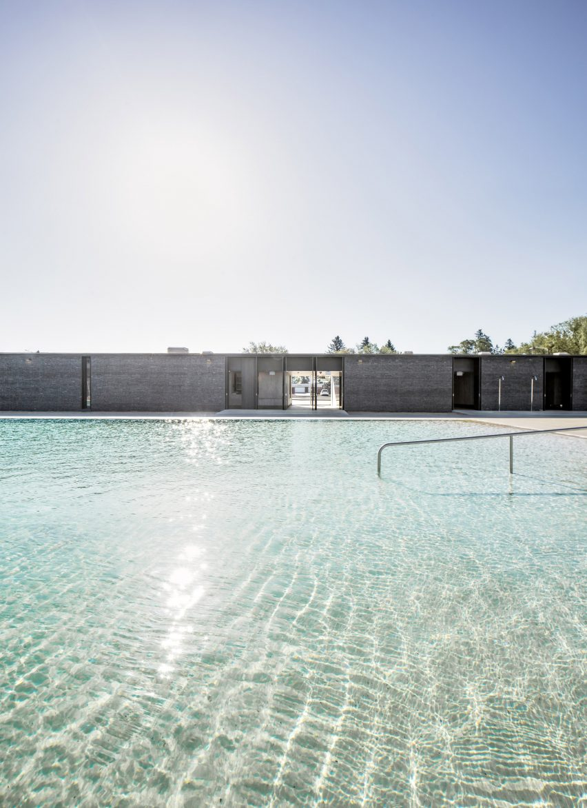 Borden Park Natural Swimming Pool by gh3*