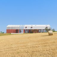 Simone Subissati Architects creates linear Italian country home