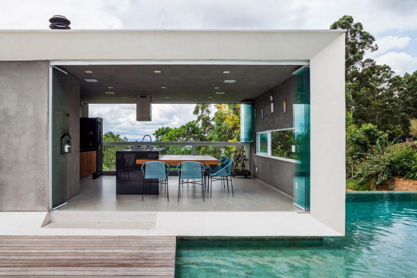 Casa Neblina by FGMF Arquitetos