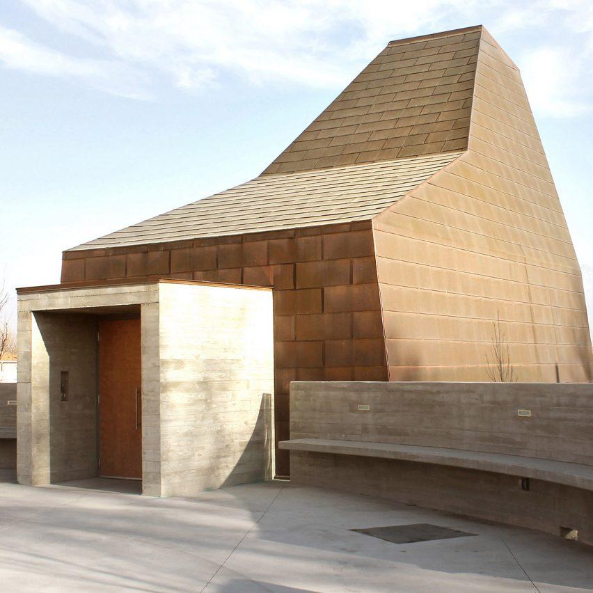 Sparano + Mooney creates sculptural Catholic chapel for Utah mining town