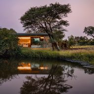 "ARRCC builds ""afro-minimalist"" safari lodge in South African wildlife reserve"