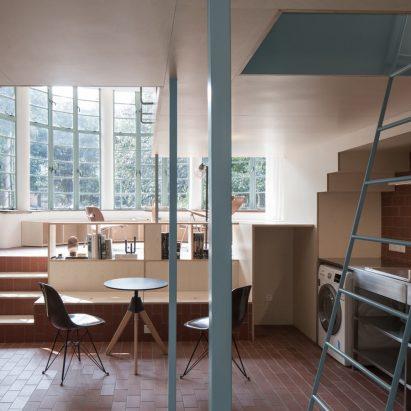 A U shaped room by Atelier Tao+C
