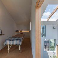 House in Tsukimiyama in Kobe, Japan, by Tato Architects