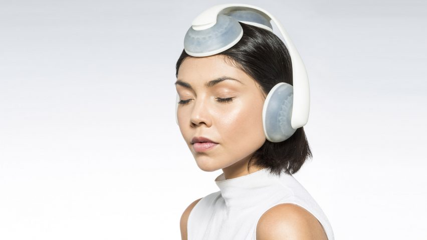 Water-filled Inmergo headphones by Rocco Giovannoni allow immersive listening