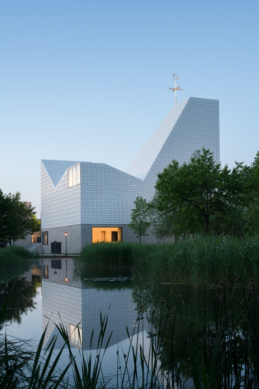 Kirche Seliger Pater Rupert Mayer church by Meck Architekten in Poing, Germany