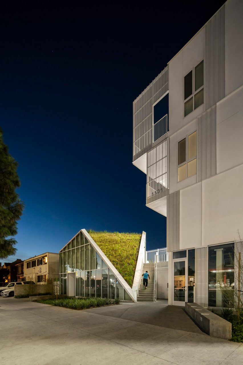 MLK1101 Supportive Housing by LOHA