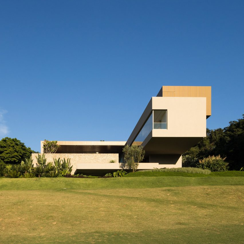 NVD House by Studio Arthur Casas