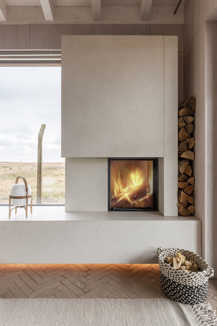 Dungeness holiday home by Johnson Naylor and MSDA
