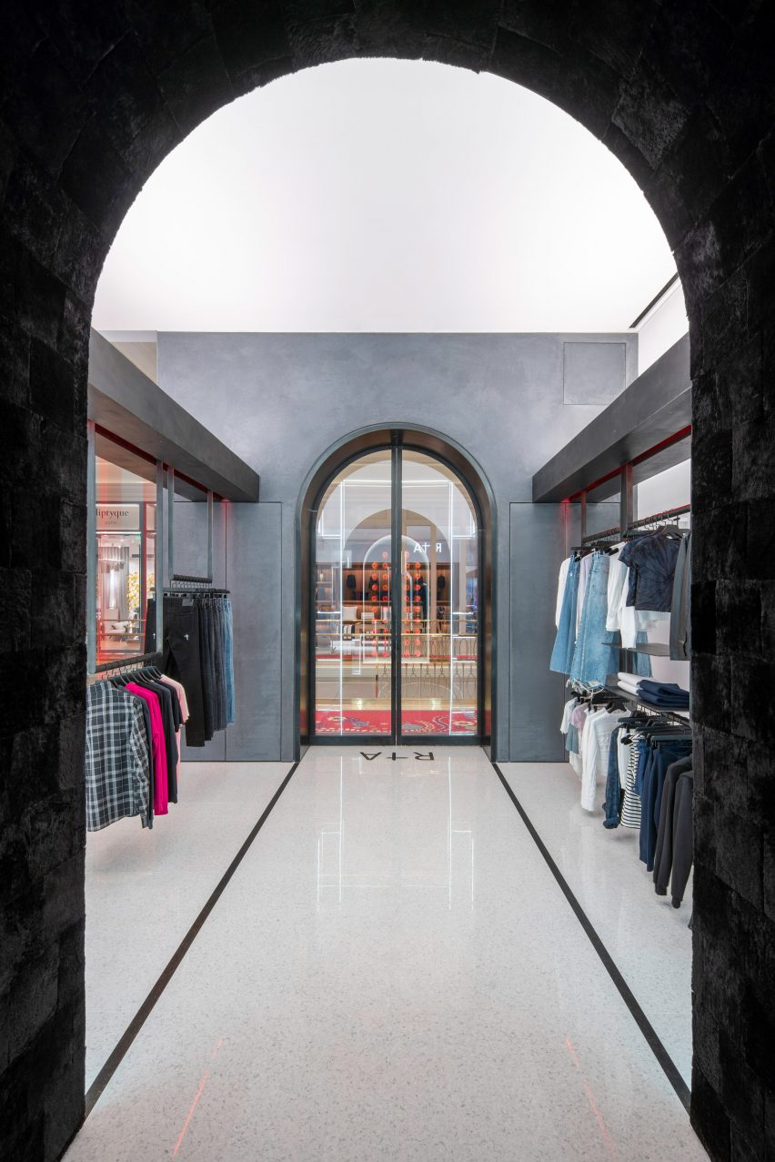 RtA Boutique by Dan Brunn Architecture