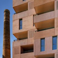 "Muñoz Miranda Architects designs Málaga apartment block to appear ""sculpted from clay"""