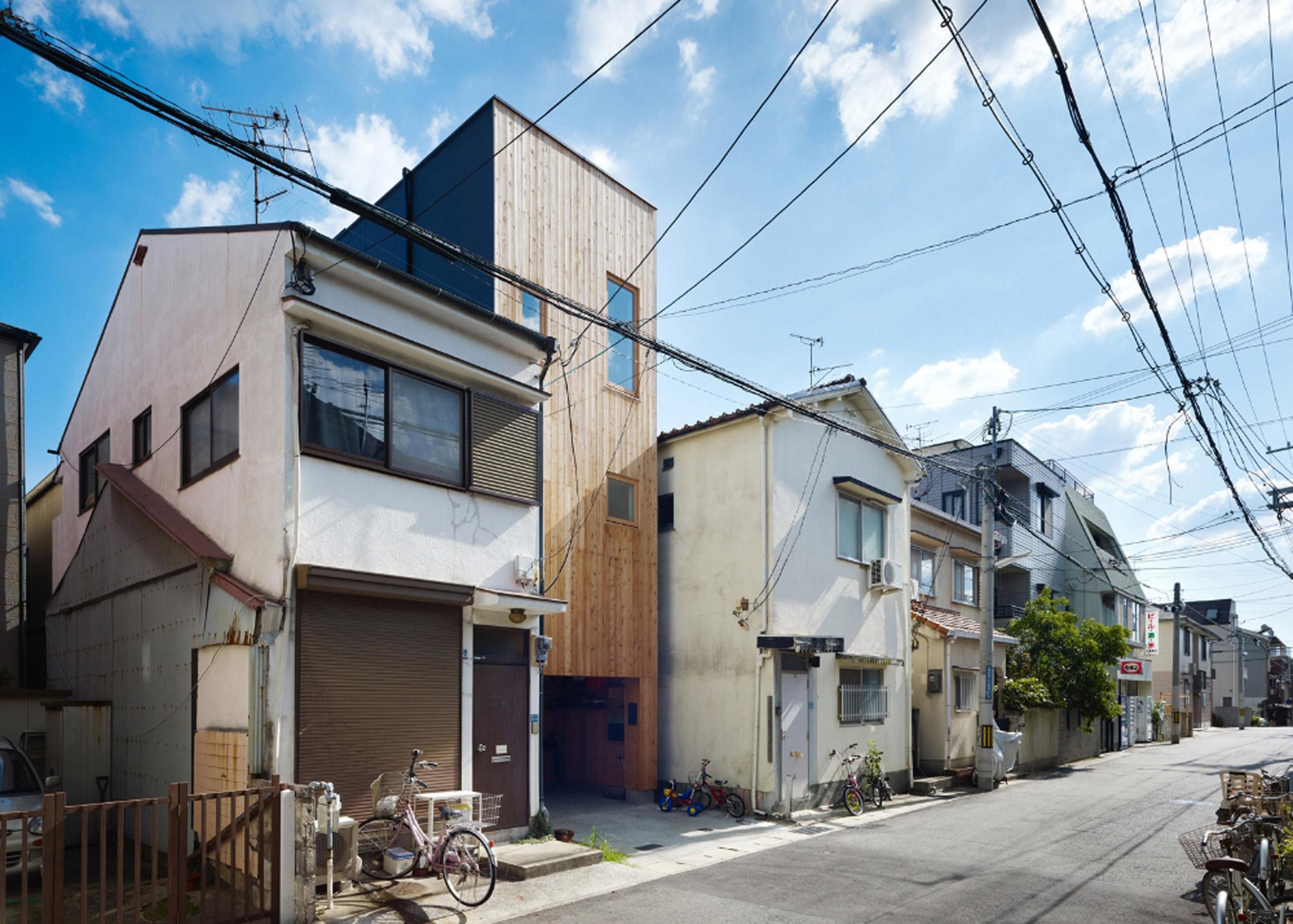 Tiny House in Kobe by FujiwaraMuro Architects