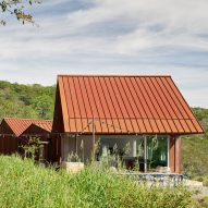 Mork-Ulnes uses Corten steel to protect Triple Barn residence in California from wildfires
