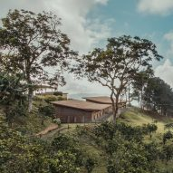 Avella Taller de Arquitectura builds two cabins for Venezuelan summer camp