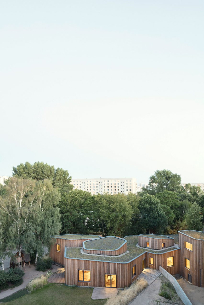 after-school care centre for the Waldorf School Berlin-Prenzlauer Berg by Mono Architekten