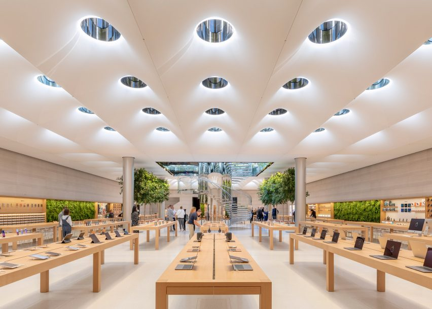 Apple Fifth Avenue by Foster + Partners