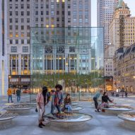 "Foster + Partners restores ""iconic"" glass Apple Fifth Avenue"