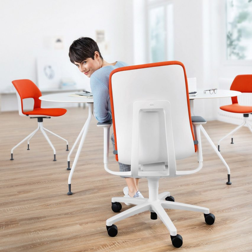 """AT 187 office chair promotes """"dynamic sitting"""" to prevent backache at work"""