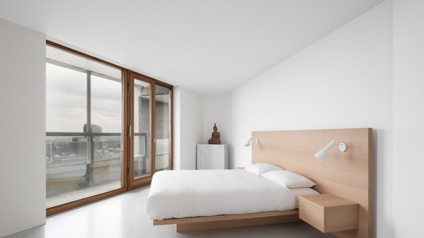 Minimalist Barbican apartment by John Pawson