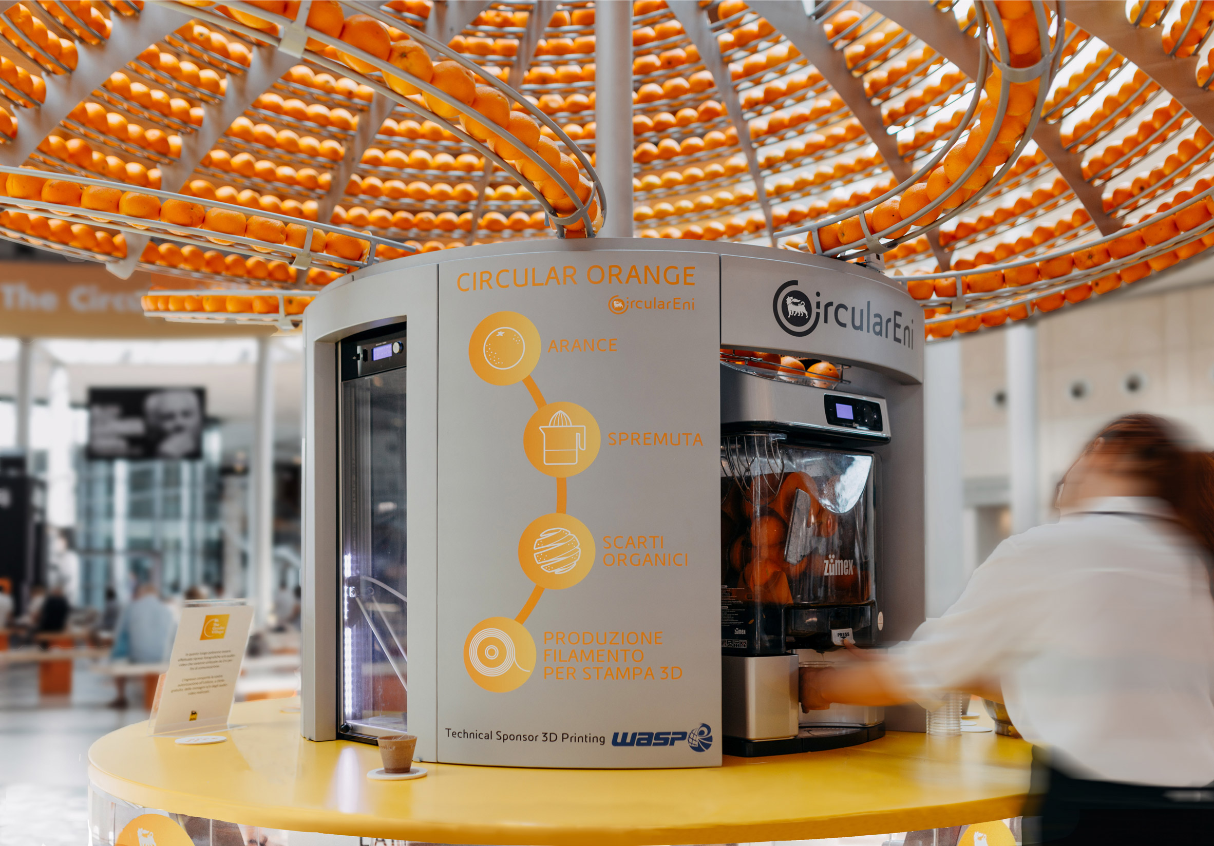 Carlo Ratti Feel the Peel circular orange juice bar