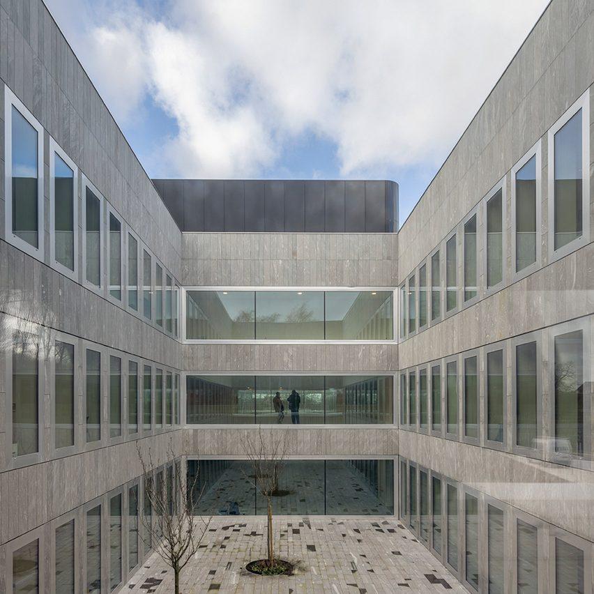 Eurartisanat Chambre de Métiers et de l'Artisanat des Hauts-de-Franc by kaan Atchitecten