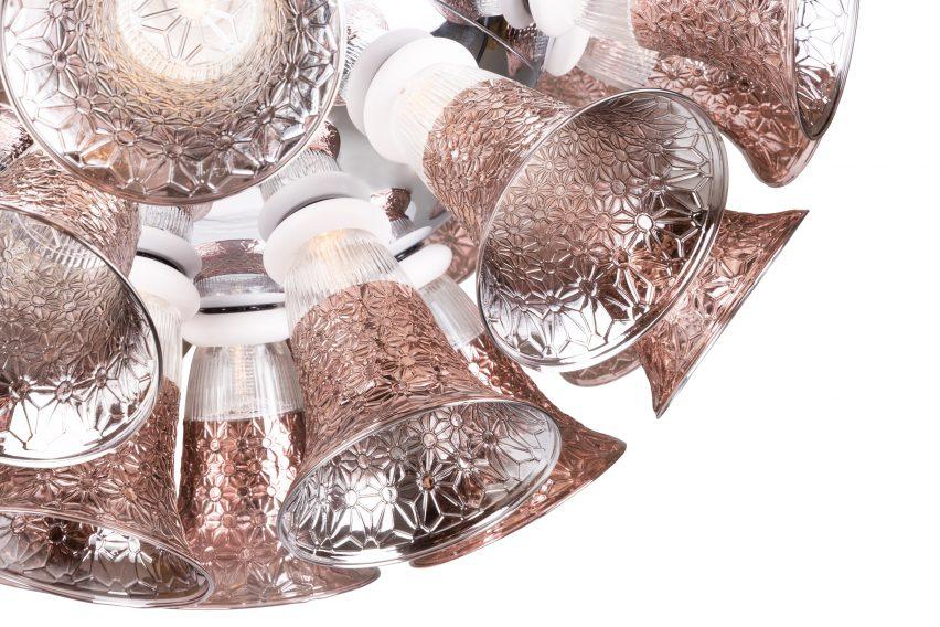 Dutch designer Edward Van Vliet designed the Kaipo Too table lamp for Moooi