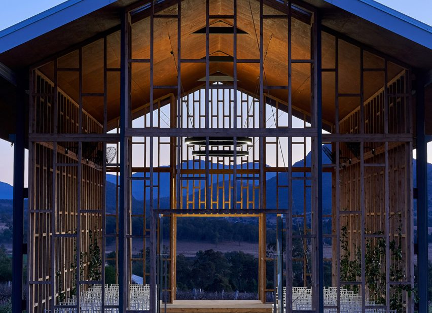 Kooroomba Chapel by Wilson Architects