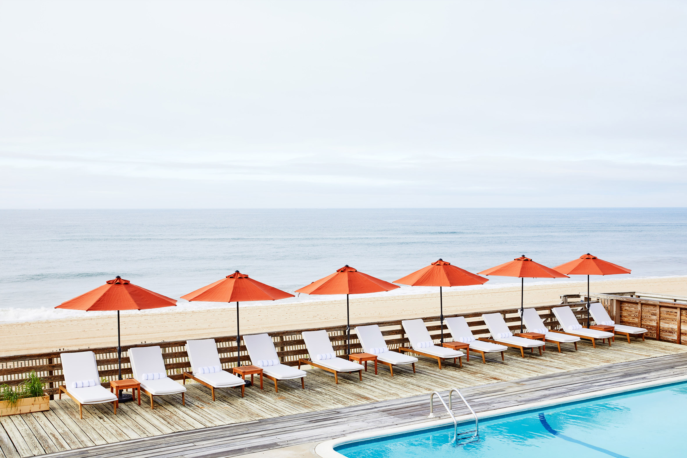Montauk hotel takes its sand-coloured palette from its beachy surroundings