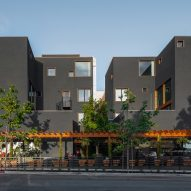 Jeff Svitak arranges San Diego apartment block around open courtyards and decks